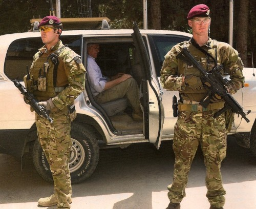 militaryarmament:  British Royal Military Police reservists providing Close Protection in Afghanistan, 2013.