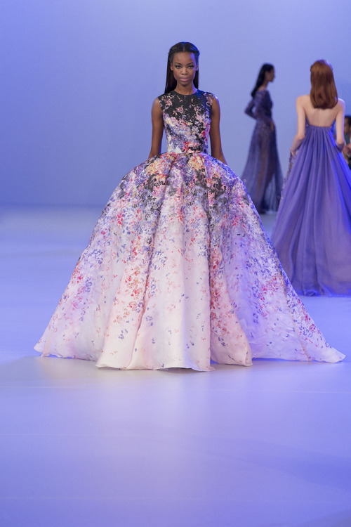 'Prints traced with the ethereal grace of a watercolour'…#PromiseOfSpring  View the entire collection www.eliesaab.com
