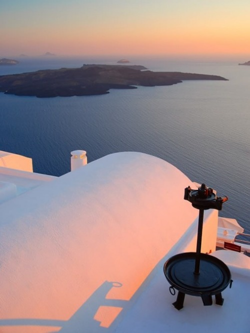 exquisite-planet:  Santorini, Greece  Beauty….