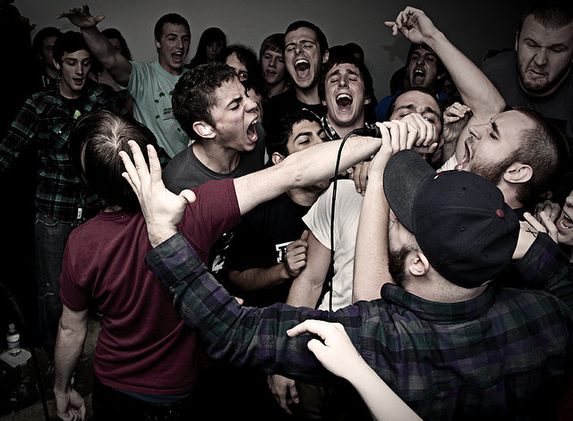 mattburkephoto:  The Wonder Years from February 2010Tallahassee, FLwww.mattburkephoto.com First time I saw the Wonder Years was incredible. Tiny little room, tons of kids, such a good time.