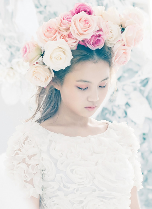 kpophqpictures:  [OFFICIAL] Lee Hi – Teaser Photos For 'Rose' 1087x1500
