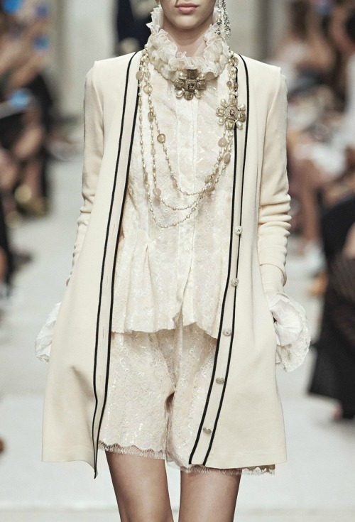 hautekills:  Chanel cruise 2014