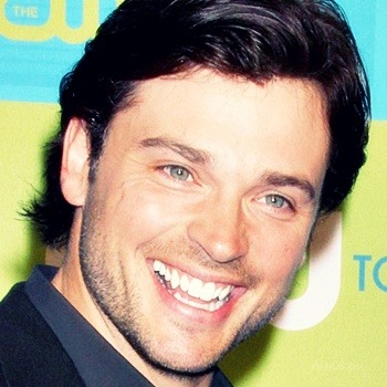 "Tom Welling has joined the cast of ""Draft Day""Tom Welling will play Brian Drew, a veteran quarterback in the crossroads of his career,SYNOPSISKevin Costner stars as the general manager of the Buffalo Bills, a pretty unsuccessful upstate New York football team. When the unlucky Bills get the first-round draft pick, their general manager must go to any length to lock in his top pick.Starring Kevin Costner, Denis Leary, Jennifer Garner , Tom Welling , Joe Manganiello, Chadwick Boseman, Terry CrewsRelease Date: Estimated 2014Official sites: Facebook  -   IMdB   -  WebYou can find updates about the movie, spoilers, behind the scenes and promos HERE…"
