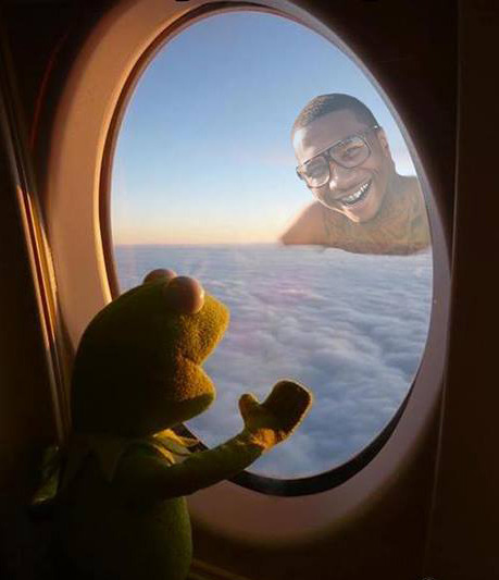 lilbdaily:  flying in the sky and he is still with me
