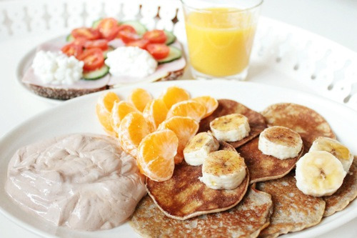 Healthy pancake breakfast