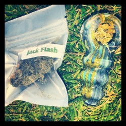 La la la #bowls #420 #stonerlife #stonernation #stayfaded #medicated #highsociety #glass #pieces #hybrid #marijuana #nugporn #dank