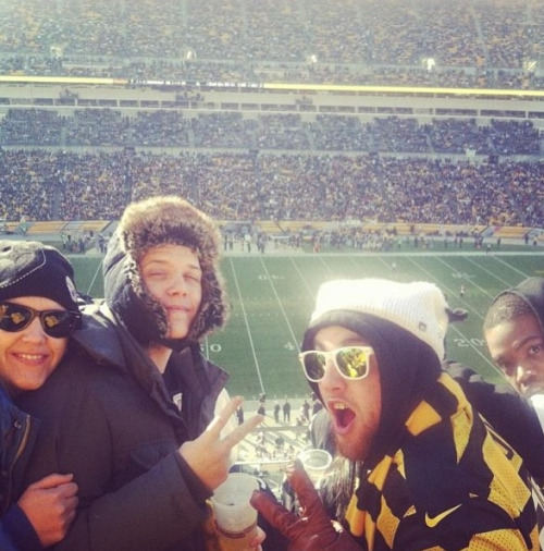macmillerblog:  Mac at the game with Jimmy and Peanut.