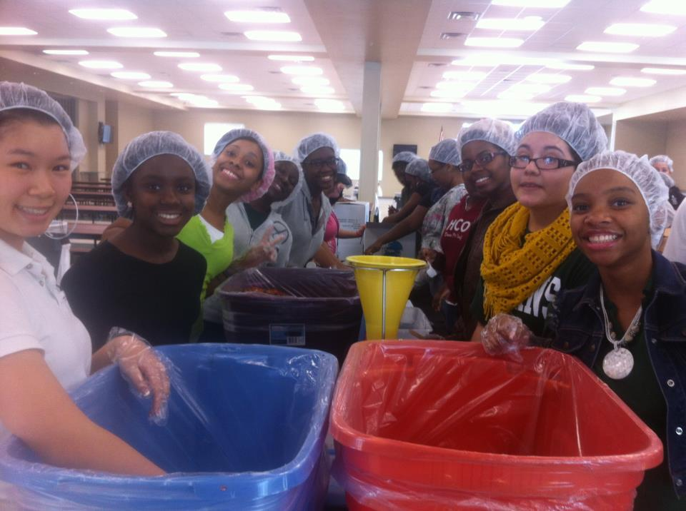 Students from Evans High School are packaging 10,000 meals for hungry children in Haiti. These Hunger Heroes are going strong!