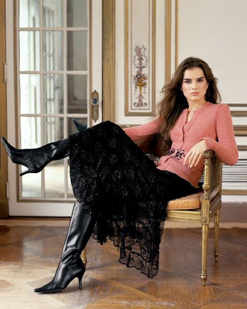 fashion-boots:  Liliane Ferrarezi for Bloomingdales Fall Winter 2005  LeggyLadies