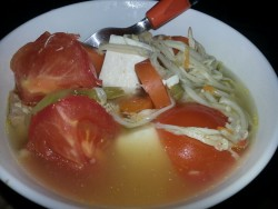 Chicken soup with tomato and enoki~
