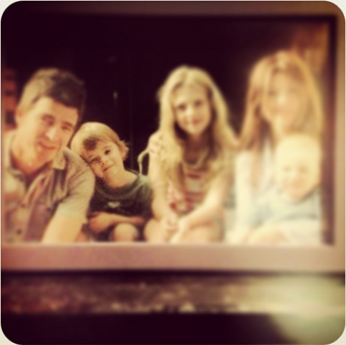 noelandoasisliveforever:  Gallagher Family (damn, is blurred)