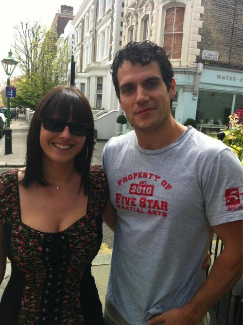 Henry Cavill with fan Verica Collier in London, May 2013. [source: Twitter, via HCF]