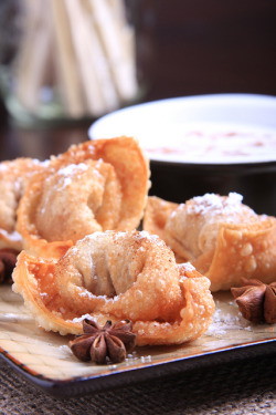 Spiced Taro Root Wontons with Salted Coconut Cream by Jeff and Erin's pics on Flickr.