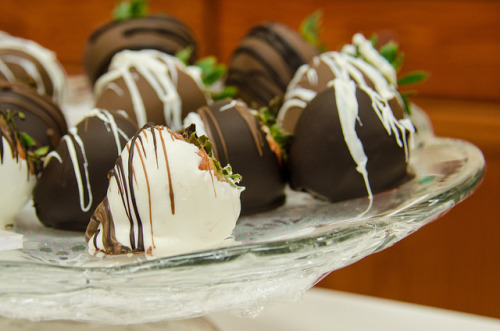 Chocolate Covered Strawberries by m01229 on Flickr.