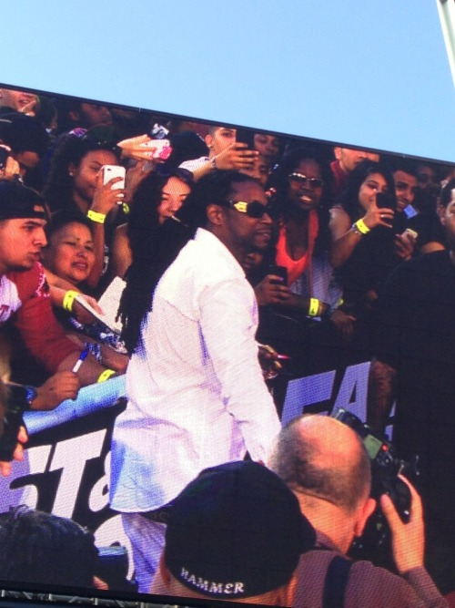 christianmcfly:  2 CHAINZ!!!!!!!!  ..But i got me a feww onnn!