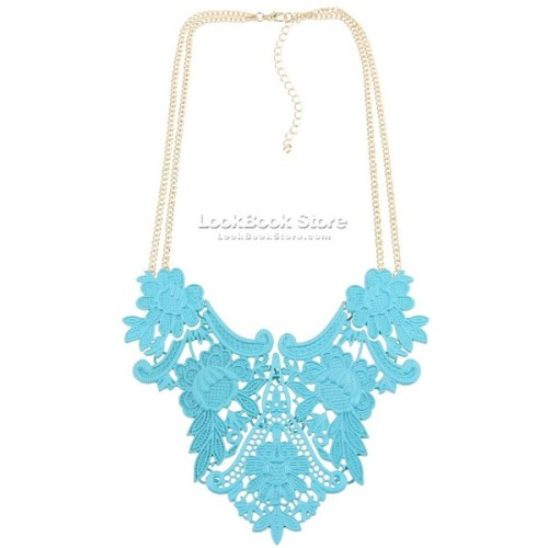 Necklace   ❤ liked on Polyvore (see more triangle jewelry)