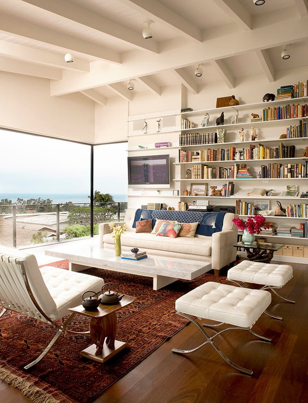 Residence in Corona del Mar by Laidlaw Schultz Architects