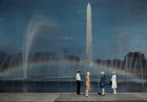 Tourists admire the beauty and size of the Washington Monument, April 1935. (by Jacob J. Gayer; via natgeofound)