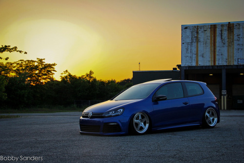 stancespice:  Chris Weyer's MK6 Golf R by BobbySanders22 on Flickr.