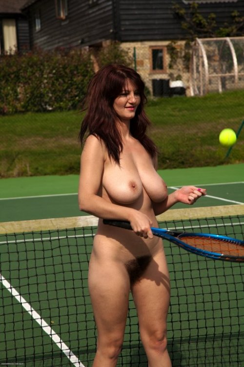 Naked girl tennis players