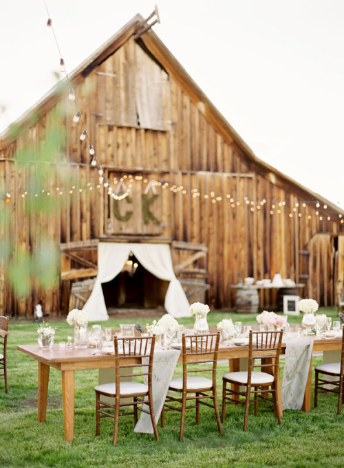 Crisp mountainside wedding