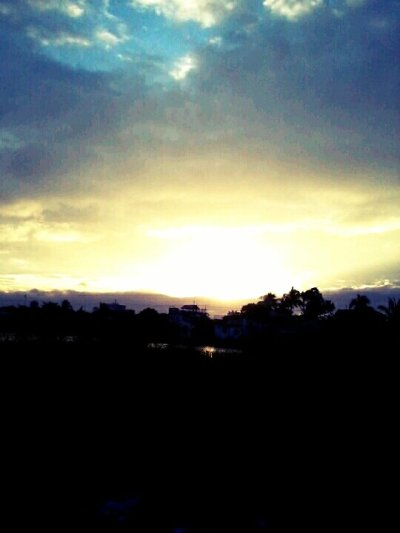 SunGood morning 12-13-12(from @Noel_Jeric on Streamzoo)