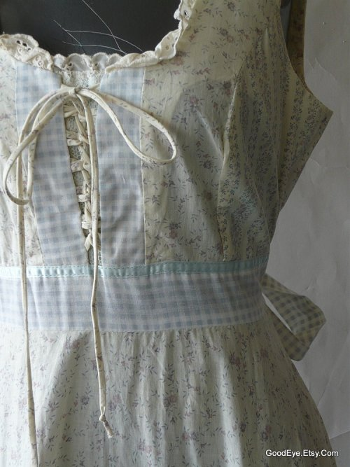Every Hippy Princess had one… 1970s Vintage Prairie dress..Gunne Saxe