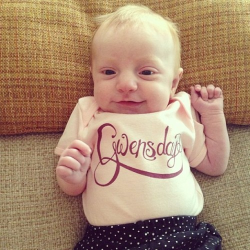 How cute is she?! // #regram #gwensday @justinsalemmeyer @ali_meyer // #handlettering #lettering #typography #design