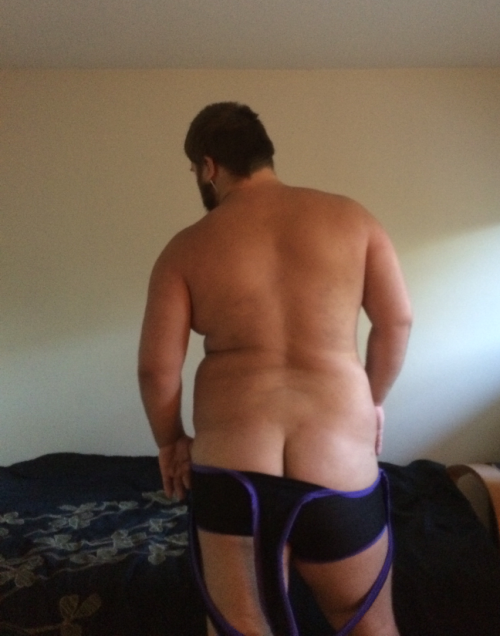 ravenclaw-prefect-anthony:And the of course we gotta show off dat ass. It's actually really comfy.That ass&#8230 Is&#8230 Just amazing