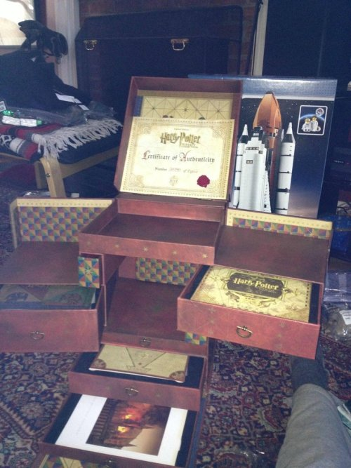 daily-harry-potter:  Best Harry Potter Gift EVER!http://daily-harry-potter.tumblr.com