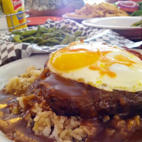 The Loco Moco @gyee50's lunch meeting. (at Big City Diner)