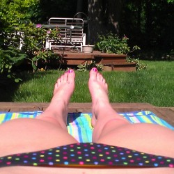 The only good thing about 90 degree days: tanning #tanning #tan #imtoowhite #legs #feet #polkadotbikini #backyard #yard #deck #90degrees #90 #toohot #blisteringhot #hot #outside #sun (at Perrysburg, Ohio)