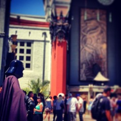 """Darth Vadar visits Mann's Chinese Theater"""