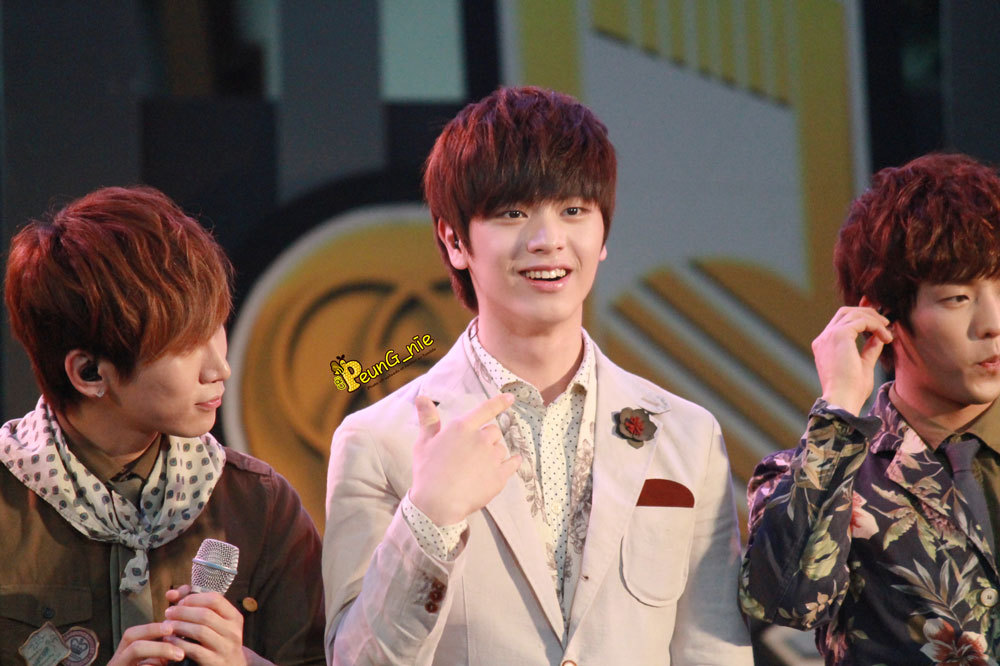 peung-nir:  130518 BTOB @ 7 สีคอนเสิร์ต The Nine Center Rama9 - P 2 #BTOBinThailand