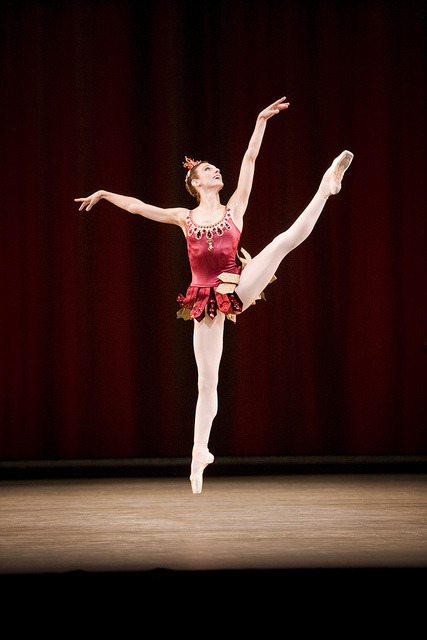 Zenaida Yanowsky in Rubies as part of Jewels © Johan Persson/ROH 2007 by Royal Opera House Covent Garden on Flickr.
