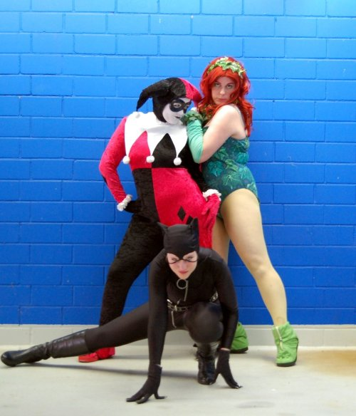 effyeahplussizecosplay:  Watch out for the Gotham Girls by ~Poison-Harley  Yes yes yes this!