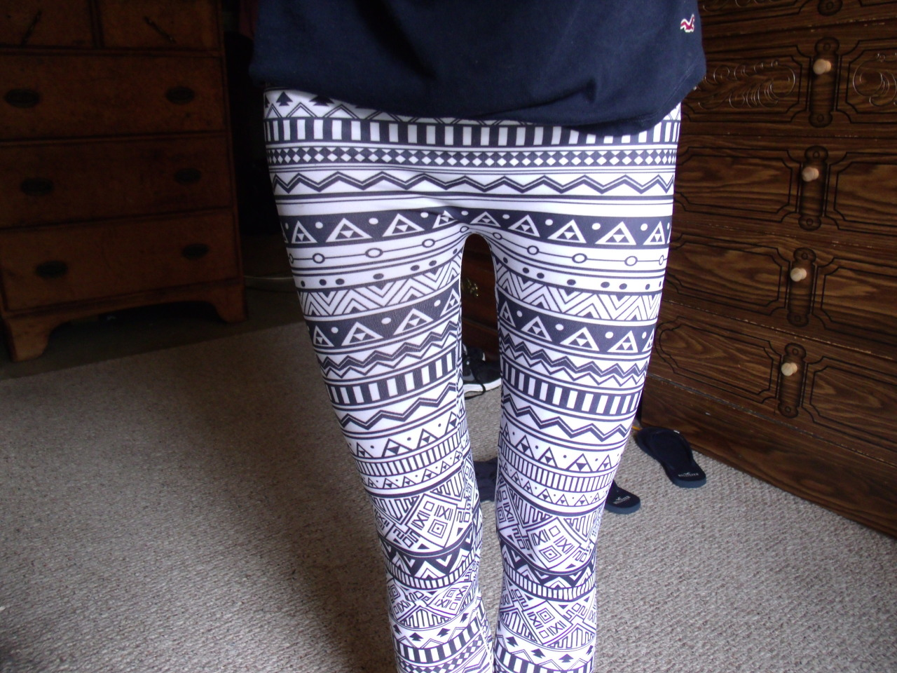 preachniam:  tights yay c: also i know someone is going to make a remark about a thigh gap but that's not the point of this picture so pls don't.