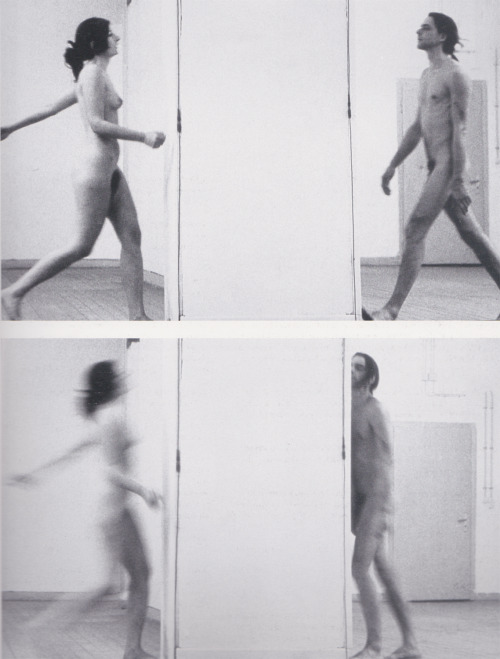 arteperformativa:  INTERRUPTION IN SPACE(WITH ULAY), 1977PERFORMANCE46 MIN.KUNSTAKADEMIE 'RINKEKLASSE', DÜSSELDORF The given space is divided by awall into two equal parts. We walk towards the wall.We walk towards the wall touching it with our body.We run towards the wall hitting itwith our body.