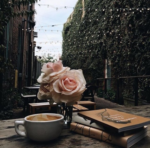 Coffee Books And Rain Cafe