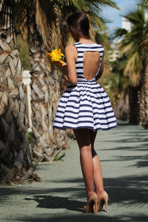 the-absolute-best-posts:  must-have-outfits: lovely dress This post has been featured on a 1000notes.com blog.