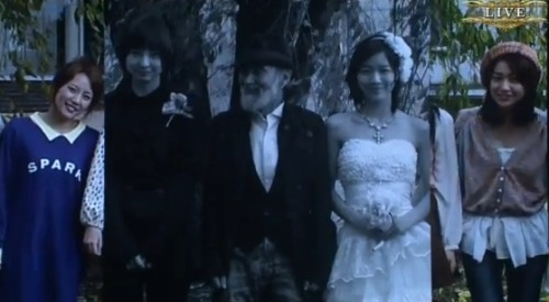 hansdevil217:  Jurina married Mariko-sama?! *lmao* I can't stop laughing *lmao*