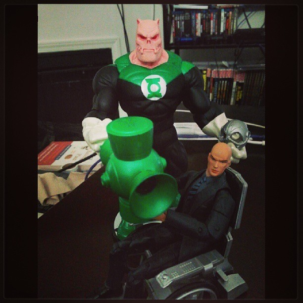 Fortunately for Kilowog, Professor X was there to help him with his problem. Just be careful with the Cerebro helmet, big fella. #professorxavier #professorxavier #xmen #marvel #marvelcomics #kilowog #greenlantern #dccomics #dc #imstilknotcleaningshit
