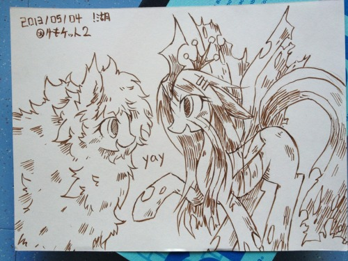 kolshica:  2013/05/04 kemoket 2 fluffle puff and queen chrysalis  double yay~ ♥