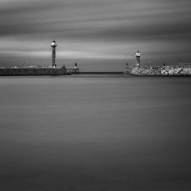 "Whitby Harbour by dougchinnery.com on Flickr.A través de Flickr: This is an image of Whitby Harbour made using the Lee ""Big Stopper"". I am running regular long exposure masterclass workshops around the UK coast - why not sign up to my newsletter to hear about new dates, along with dates of my other workshops You will find details on all of my photography workshops across the UK   HERE See My Profile Page for links to my website, blog and free downloads. You can also sign up to my photography newsletter."