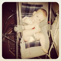 Chupar o dedo da mão é para os fracos… Haha #throwbackthursday #tbt #baby #babe #cute #child