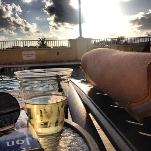 Great ending to a great day. I #worktrip #wine #pool #notgonnaliehappyigotout #tanning #relaxing #delray #florida