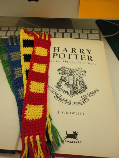 I've just finished these Harry Potter bookmarks. I'm in love with them!