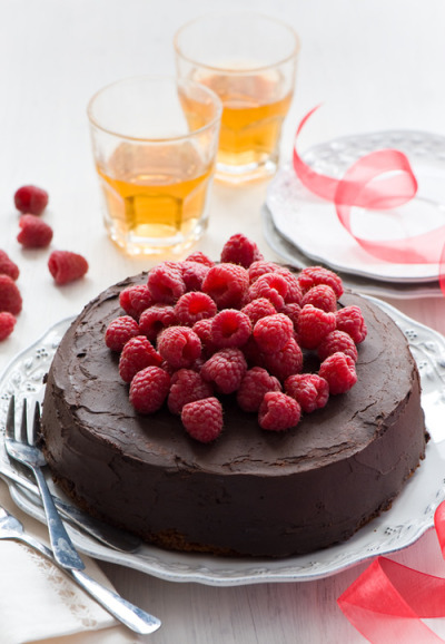 in-my-mouth:  Chcolate Raspberry Mousse Cake