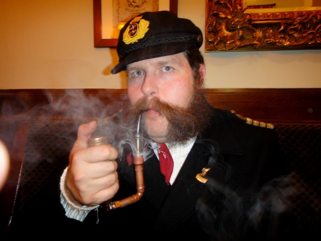 (via Captain with Electronic Pipe | Mycroft Milverton)