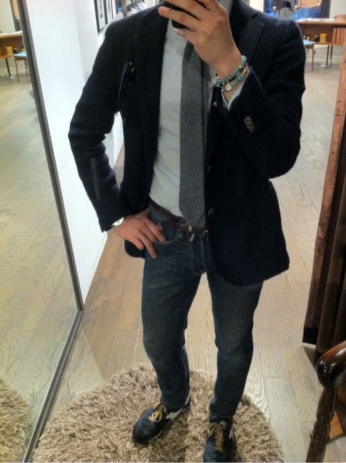 "Today's outfit! Wearing a ""bespoke"" knit jacket- made by tailorable wine label."
